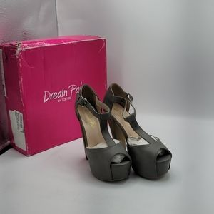 Dream Pairs Laura P heels size 5m